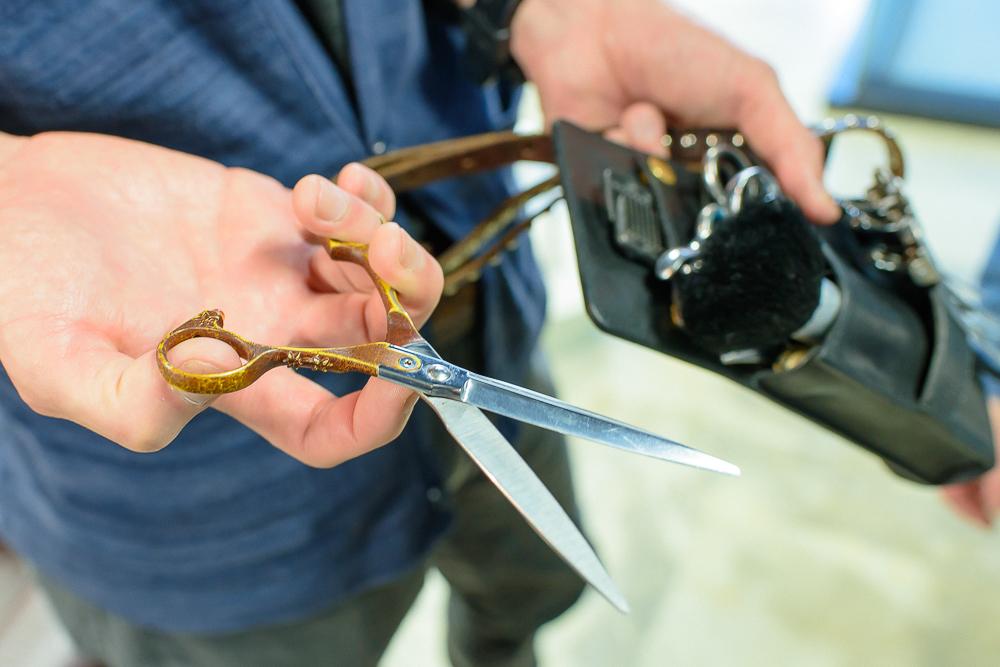 シザーズ(刃物)の切れ味とセーム革