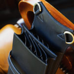 material T13-8 手縫いシザーケース