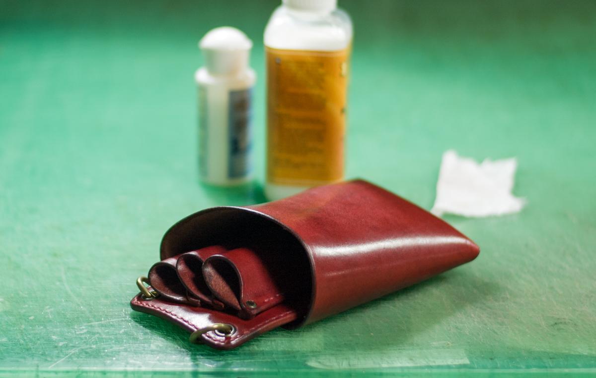 シザーケース屋が教える革製シザーケースのお手入れ方法